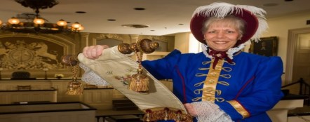 Lady town crier